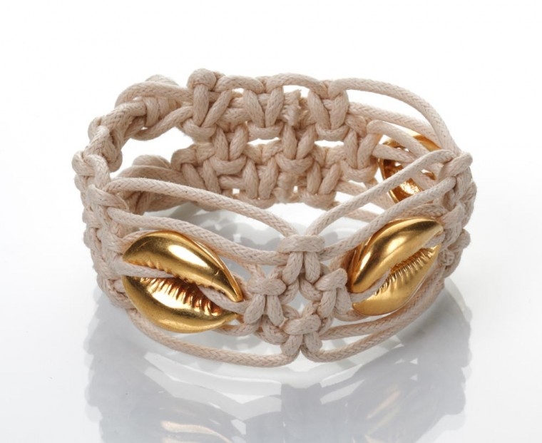Gold Seashells Bracelet – Wide, Off-white